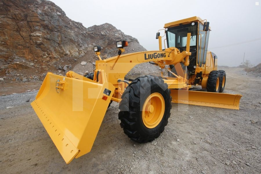 Avtogreyder-Liugong-CLG418-1398530_1