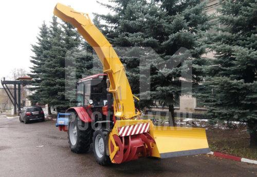 Купить Фрезерно-роторный снегоочиститель ДЭМ 124 с телескопическим погрузочным желобом и другое оборудование для уборки снега по низкой цене и на выгодных условиях от компании РостТехМаш!