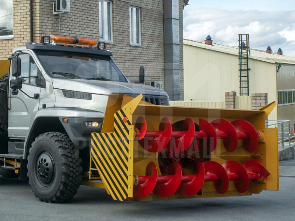 Купить Шнекороторный снегоочиститель УРАЛ-NEXT 001-СА и другое оборудование для уборки снега по низкой цене и на выгодных условиях от компании РостТехМаш!
